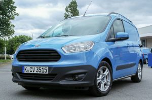 ford-courier-kulcsmasolas