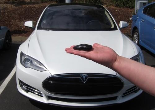 Tesla kulcsmásolás, Tesla autókulcs, Tesla autókulcs másolás